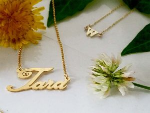 Name necklace yellow 14kt.