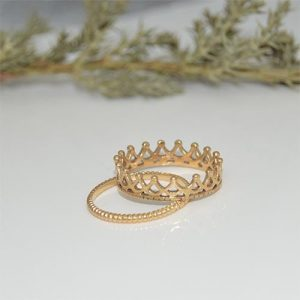 crown ball and plain rope