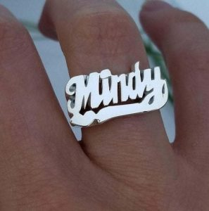 mindy my hand 02